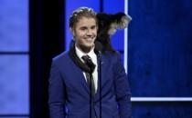 Justin Bieber's Roast: PR Disguised as Unoriginal Comedy