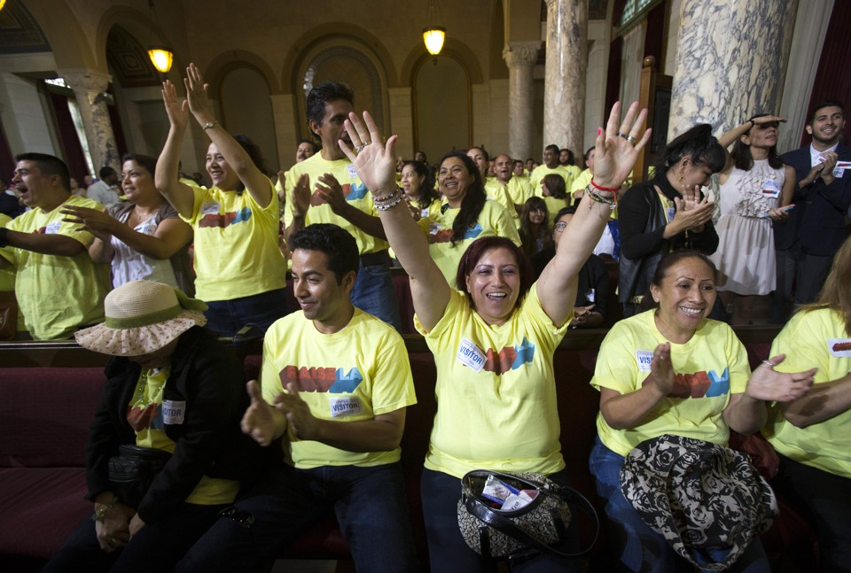 LA raises minimum wage
