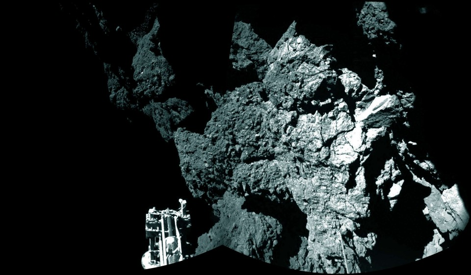 Rosetta-Mission Robot Wakes Up on Comet, Sends Message to Earth - The Atlantic