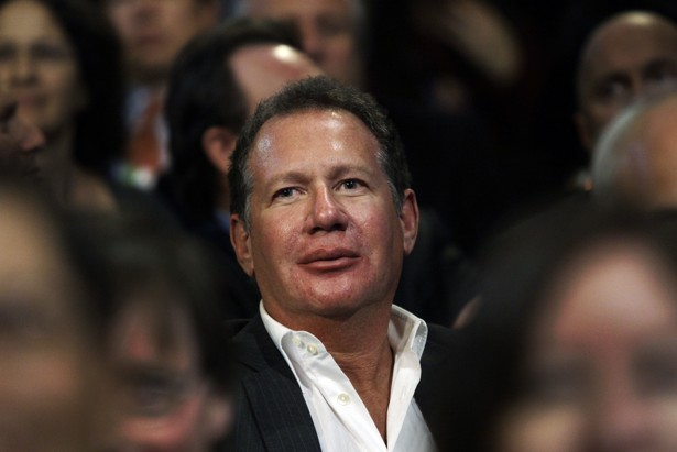 Comedian Garry Shandling dead at 66 in Los Angeles