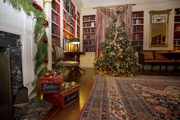 See how the white house decorates for the holidays the - Casas decoradas por dentro ...