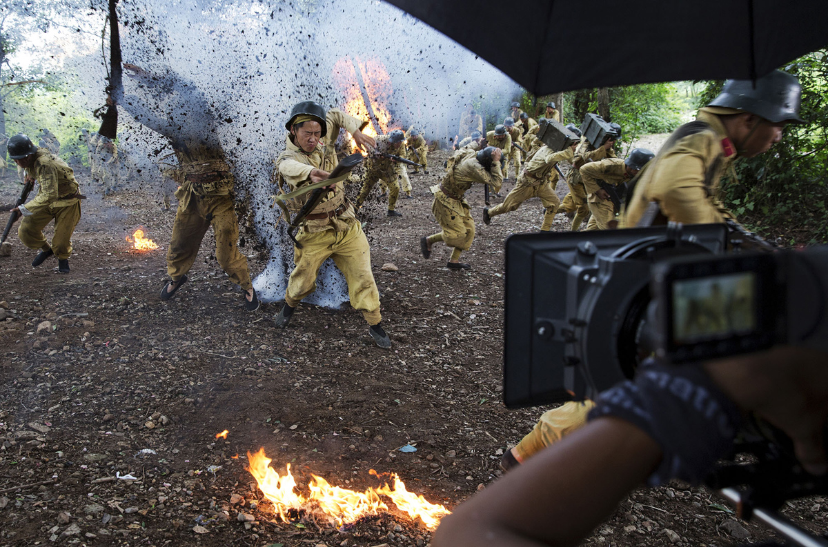 A dramatic war scene A dramatic war scene essay
