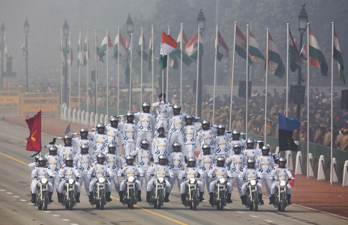 當地時間2016年1月26日,印度第67屆共和國日閱兵式在霧霾中如期舉行。