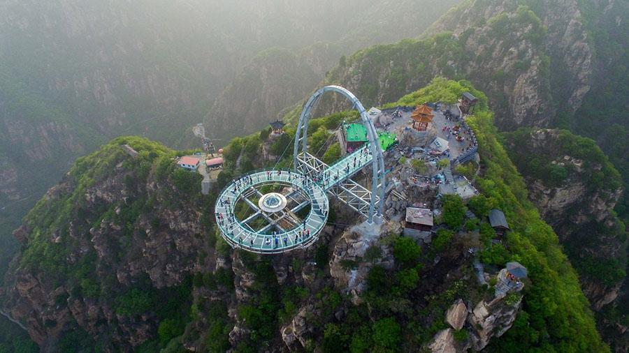 2016年4月30日在北京平谷区石林峡风景区搭建的玻璃观光平台   (10)