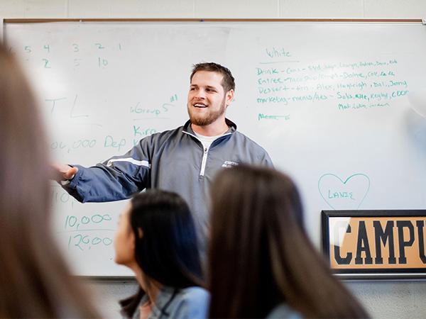Kliewer teaching high school YE students in Haysville, Kansas