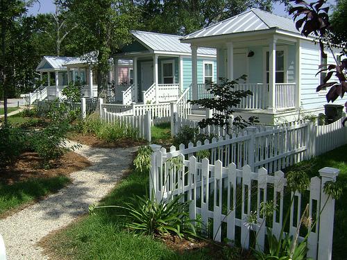Cottage Square (via Seaside Academic Village)