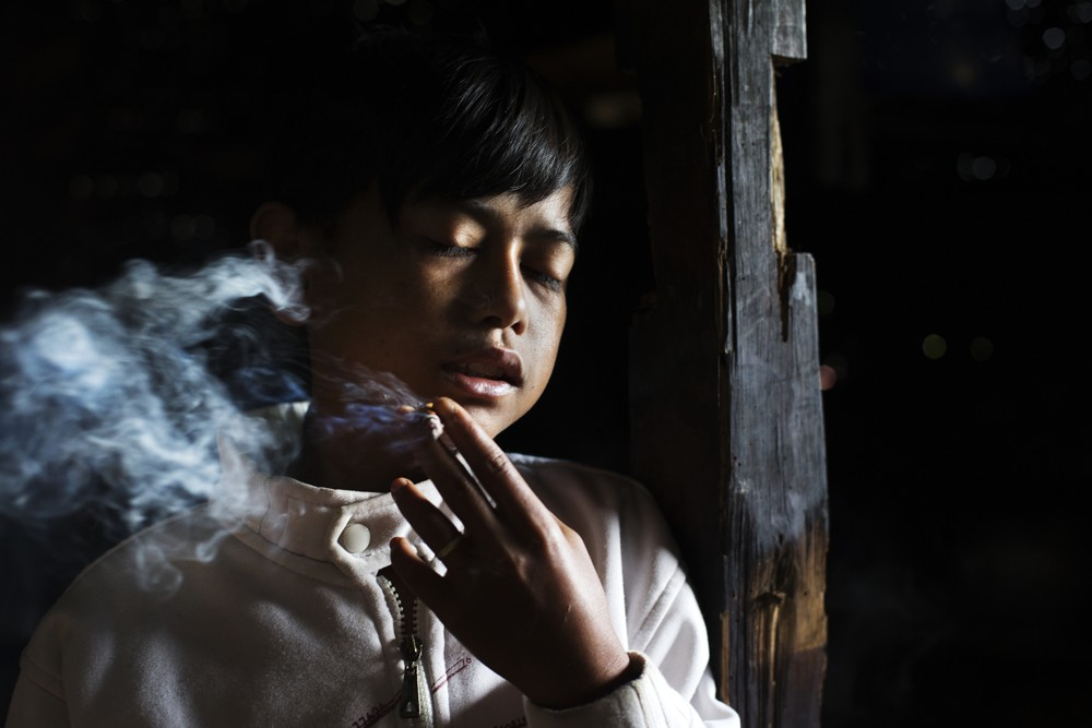 Heartbreaking Photos of Indonesia's Unstoppable, Underage Tobacco