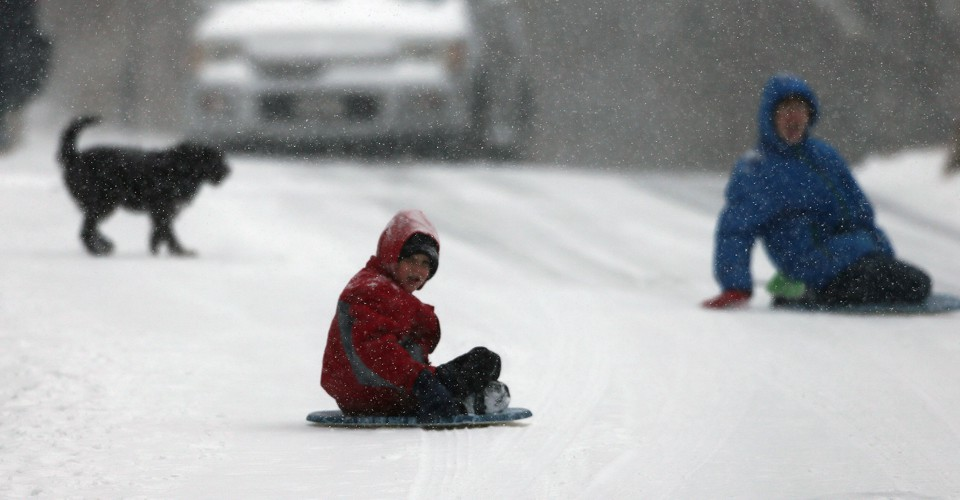 Finally Winter Wimps Out >> Map How Much Snow It Typically Takes To Cancel School In The U S
