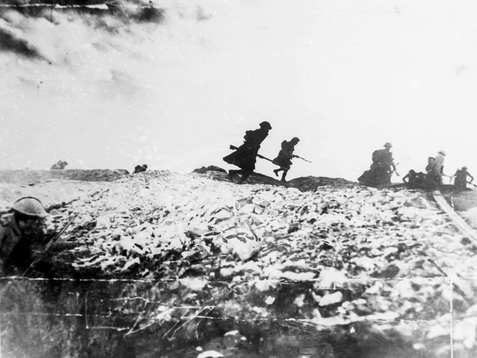 In the Battle of Stalingrad           the advancing Germans are finally  stopped
