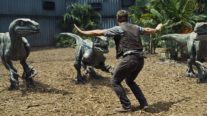 efd9d6e95 Movie Review: 'Jurassic World,' Come for the Dinosaurs, Stay for ...