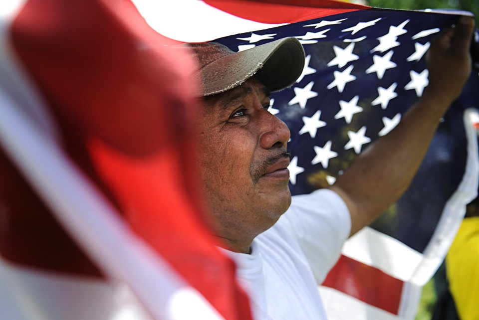 poll african americans latinos more optimistic than whites the jonathan ernst ap
