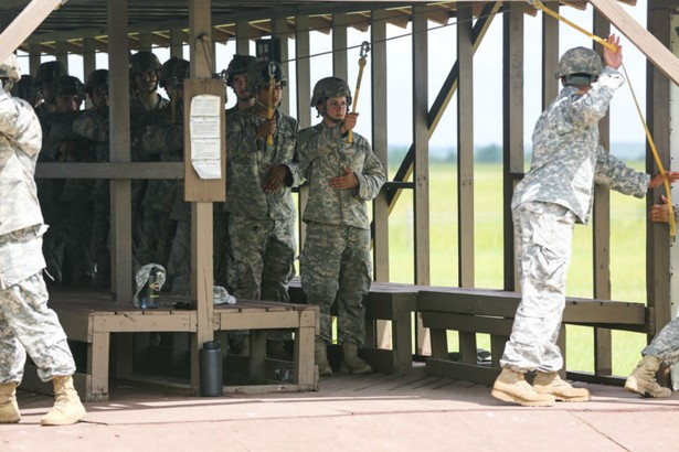 air assault school of the army essay Students arriving at the air assault school should be in good physical condition potential students should be able to score a minimum of 240 points on the apft.