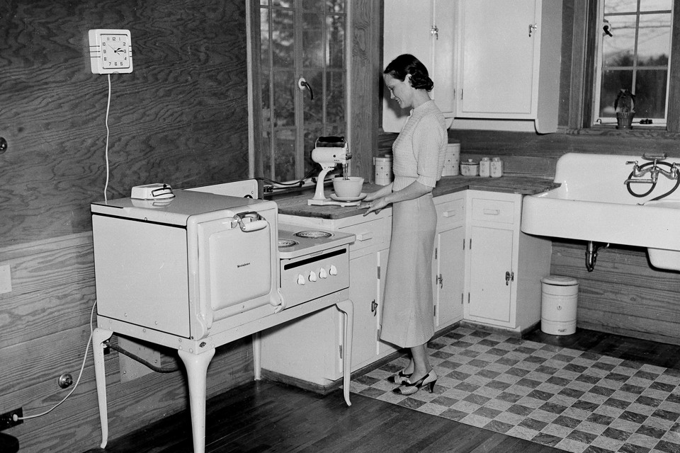 kitchen design history the sexism of standardized american kitchens the atlantic 1217