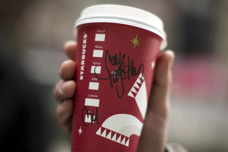 Controversy Over Christmas Patterns on Starbucks's Cups Is ...