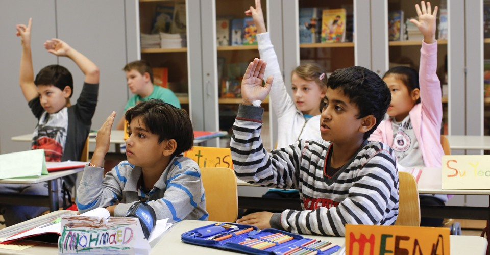 german essay on school The german school system from kita to uni school days german students attend school for 187-190 days in an academic year, depending on the state.