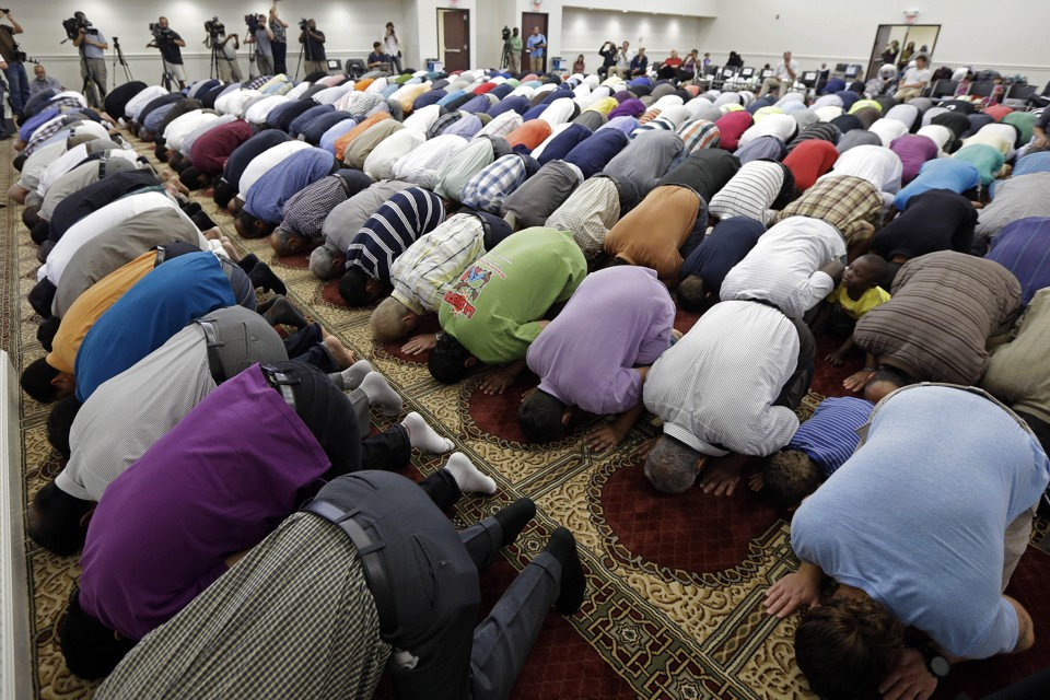 tennessee muslim Lawmakers fear islamic 'indoctrination' in schools tennessee seventh-graders spend a portion of their time in a world history course studying the world of islam.