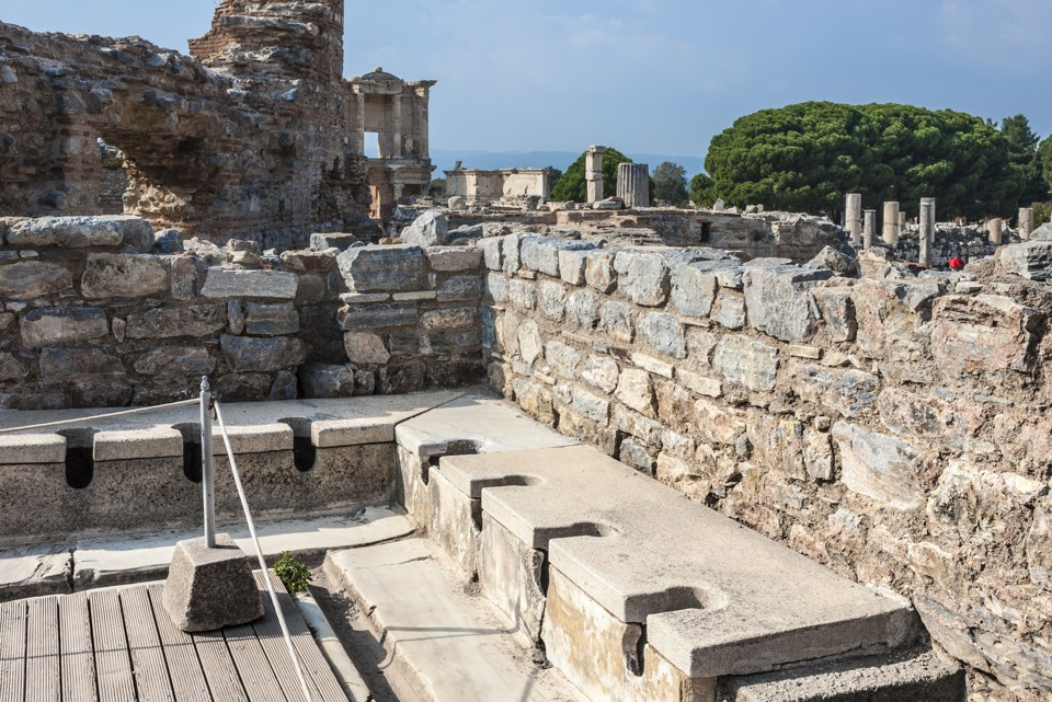 Roman Toilets Were Actually Pretty Gross The Atlantic
