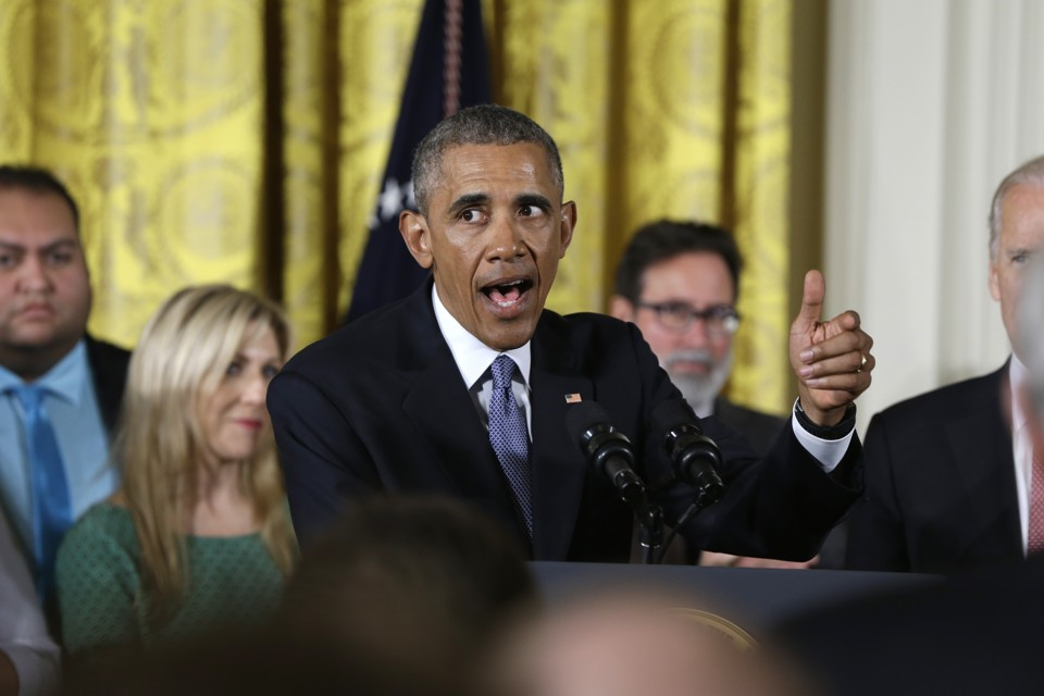 the overheated reaction to president obama s modest gun actions  carolyn kaster ap