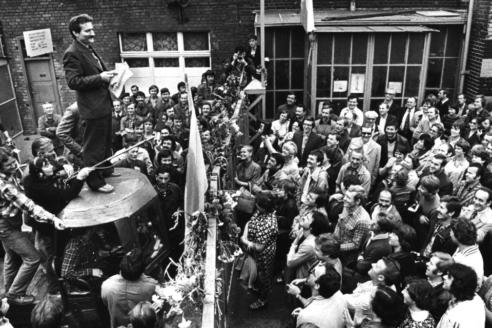 """the solidarity movement in poland Other languages farsi description after a brief overview of polish politics from 1946-79, bartkowski details the formation and actions of the polish """"solidarity"""" movement from."""