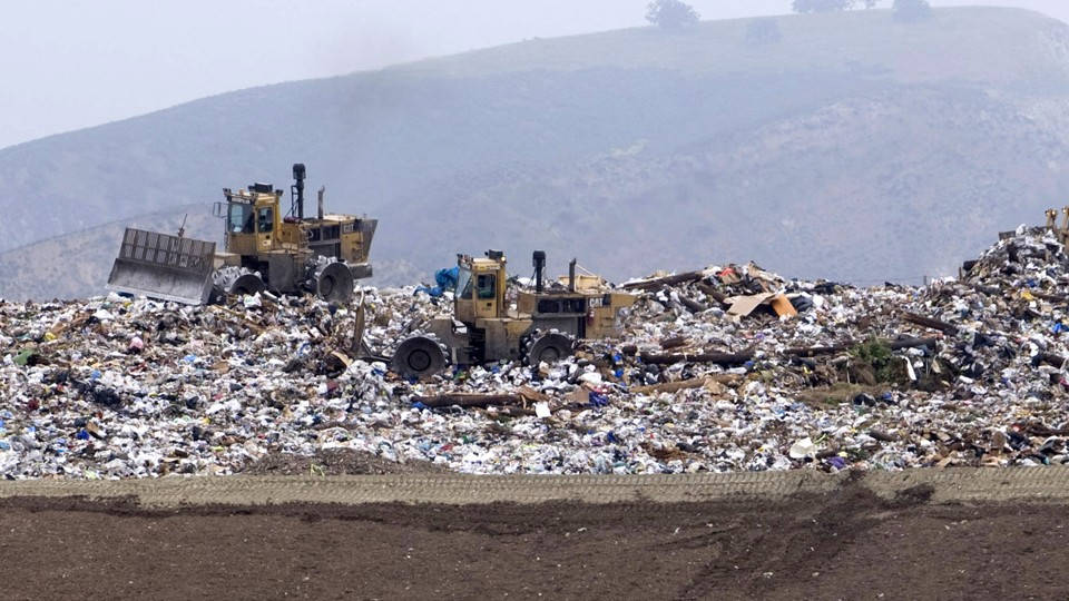 The Simi Valley Landfill and Recycling Center in Simi Valley, California.  Hector Mata / Reuters
