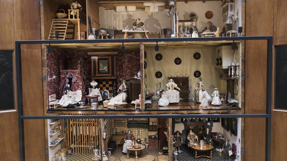 Dollhouse Exhibition And Toy: The History Of Dollhouses