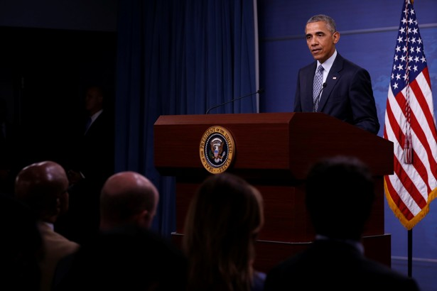 Obama says Islamic State is lashing out as it loses ground