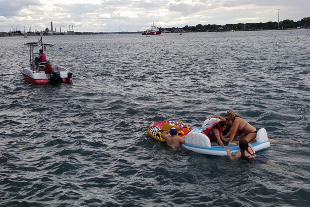 Canada invaded by 1500 people on wayward play rafts