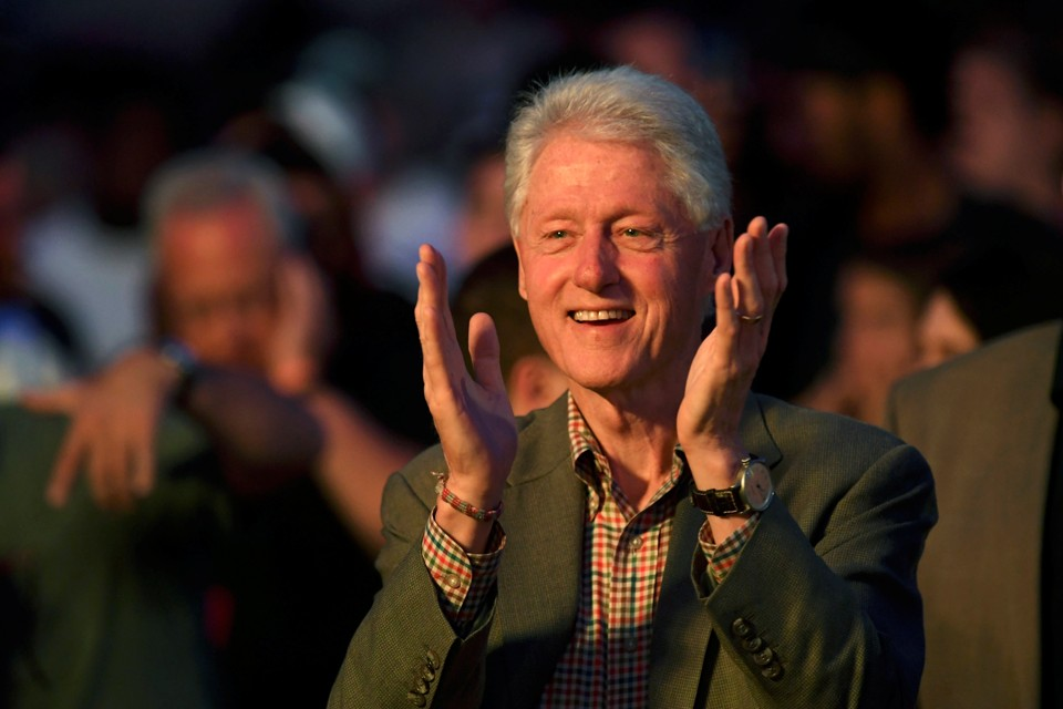 an analysis of how bill clinton sold himself to america in the 1992 presidential campaign