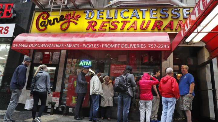 carnegie deli to close after nearly 80 years a new york institution