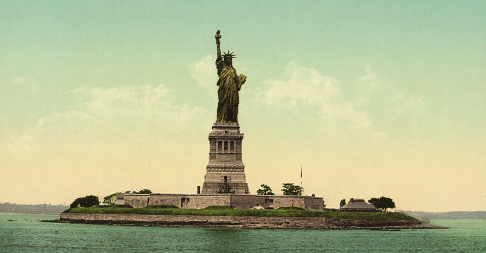 youll write a reflective essay that also bernarda alba essay teaching the importance of national monuments the statue of buscio mary turkey hill lady liberty essay