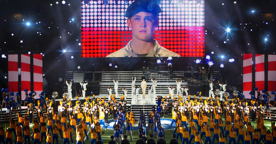 Review: The Unreality of 'Billy Lynn's Long Halftime Walk' - The Atlantic