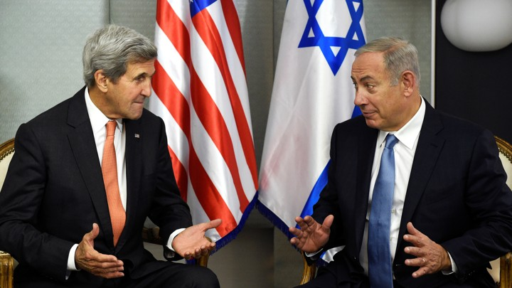 U.S. Secretary of State John Kerry (L) meets with Israeli Prime Minister Benjamin Netanyahu in Manhattan, New York, U.S., September 23, 2016.