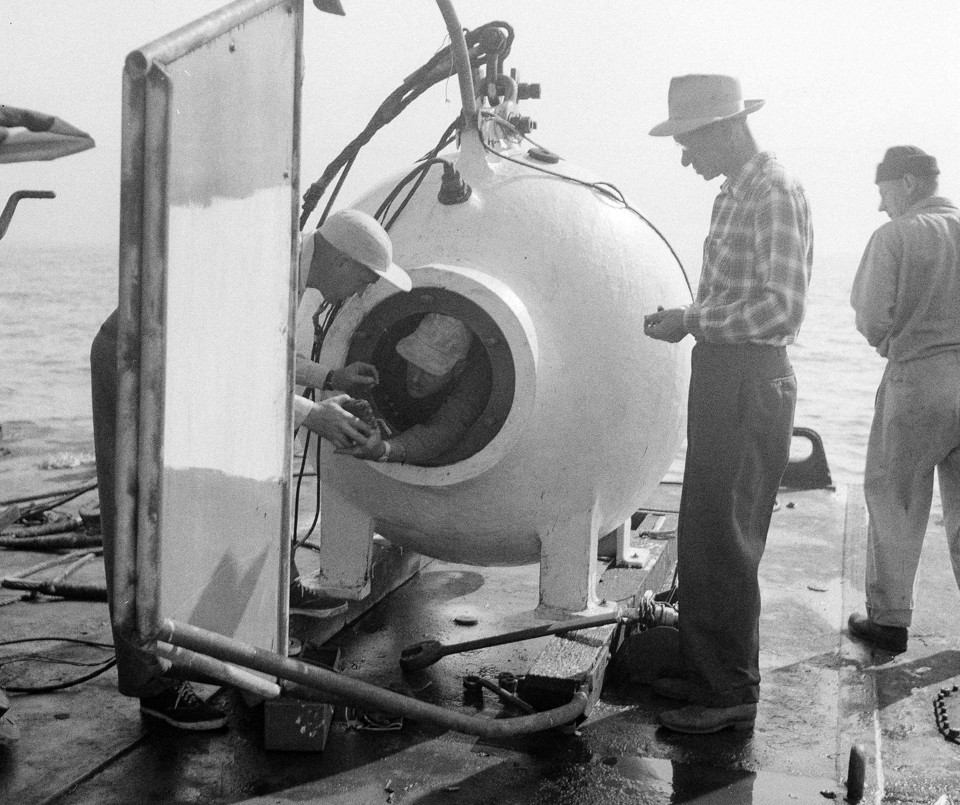 How The Diving Bell Opened The Oceans Depths The Atlantic - 23 amazing things divers discovered bottom ocean