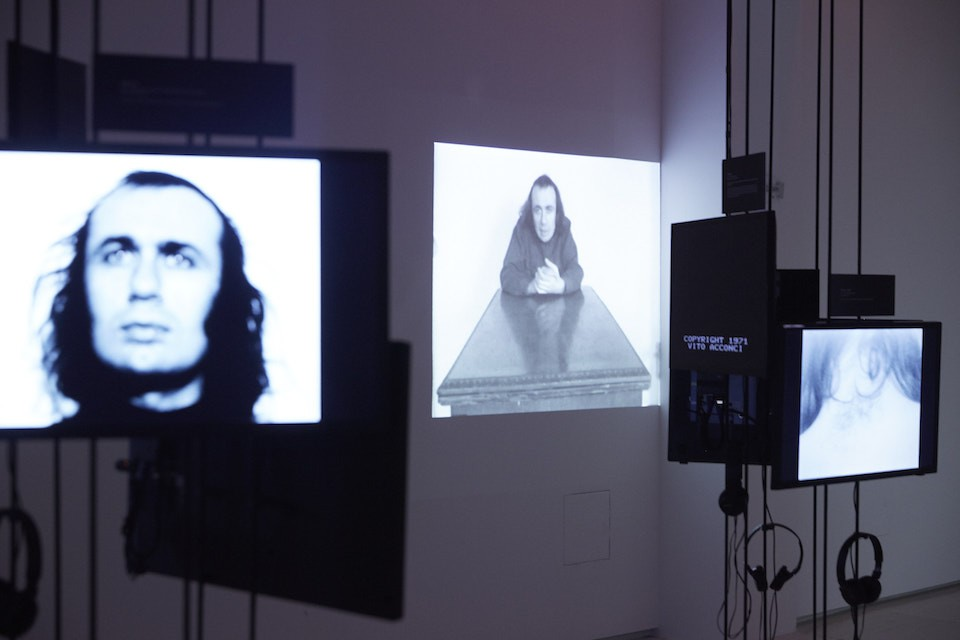 Installation view of 'Vito Acconci: Where Are We Now (Who Are We Anyway?), 1976' at MoMA PS1, 2016.
