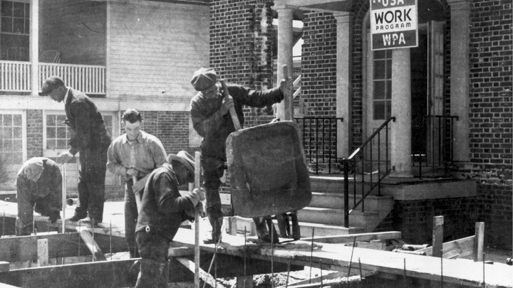 Men at a Works Progress Administration site in 1943