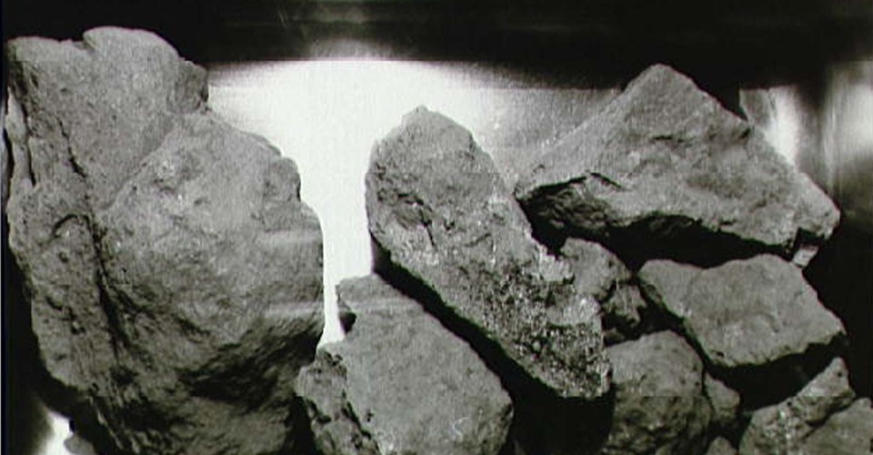 What Happens When You Heat Moon Rocks to 1,400 Degrees ...