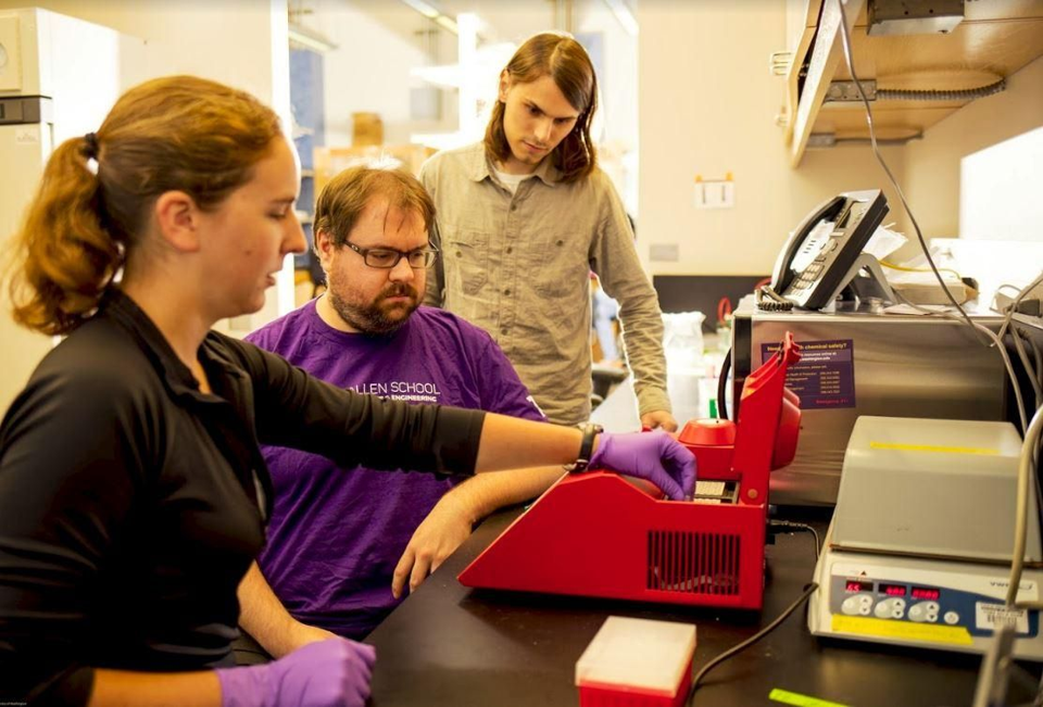These Scientists Took Over a Computer by Encoding Malware in DNA