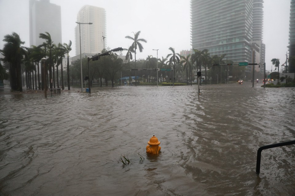 Miami floods as Hurricane Irma passes through.