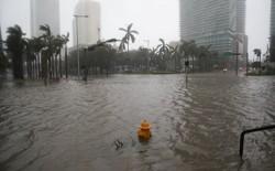 Miami floods as Hurricane Irma passes through.