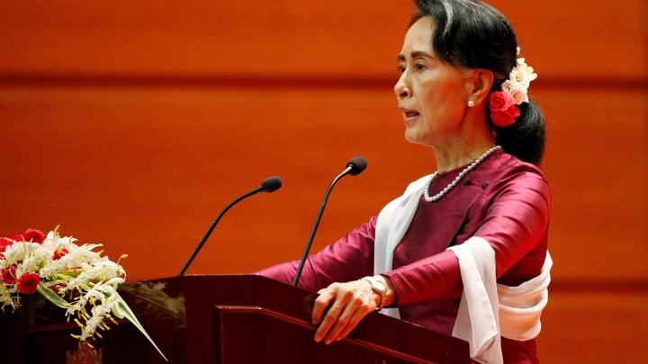 Aung San Suu Kyi delivers a speech.