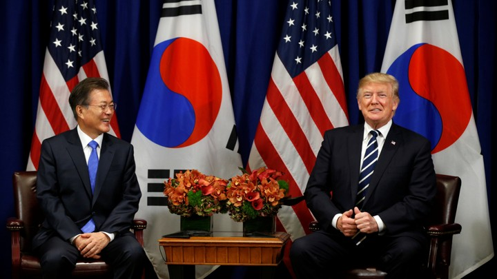 President Trump and South Korean President Moon Jae-in smile