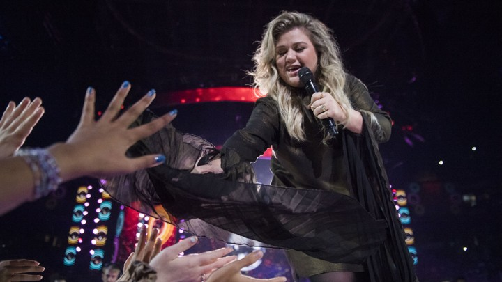 Kelly Clarkson performs in Toronto in 2017.