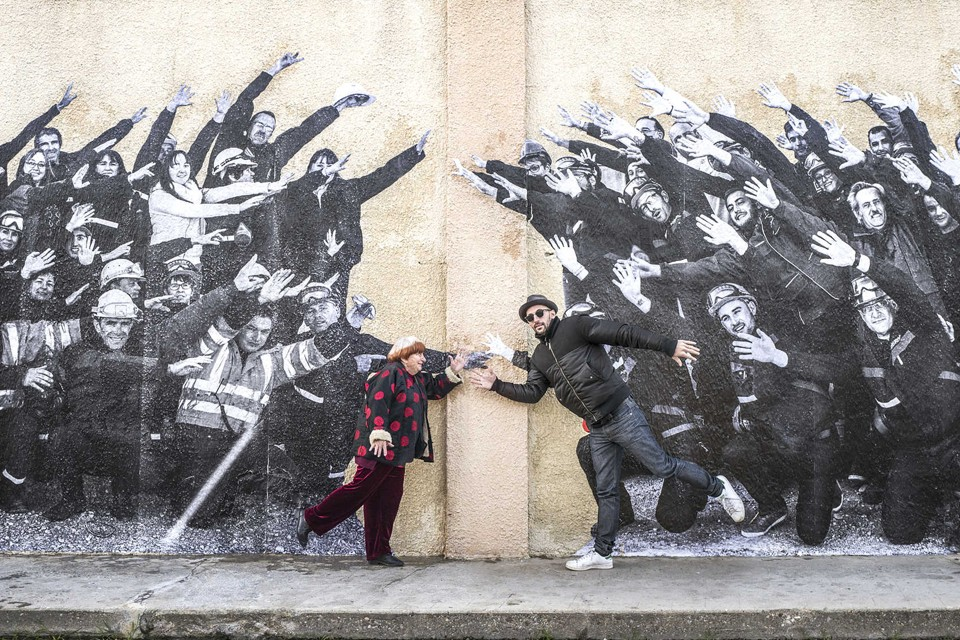 Agnes Varda and JR pose in a still for the documentary 'Faces Places'