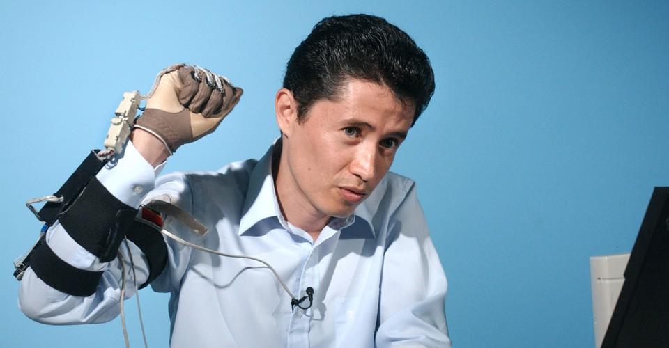 English To Italian Translator Google: Why Sign-Language Gloves Don't Help Deaf People
