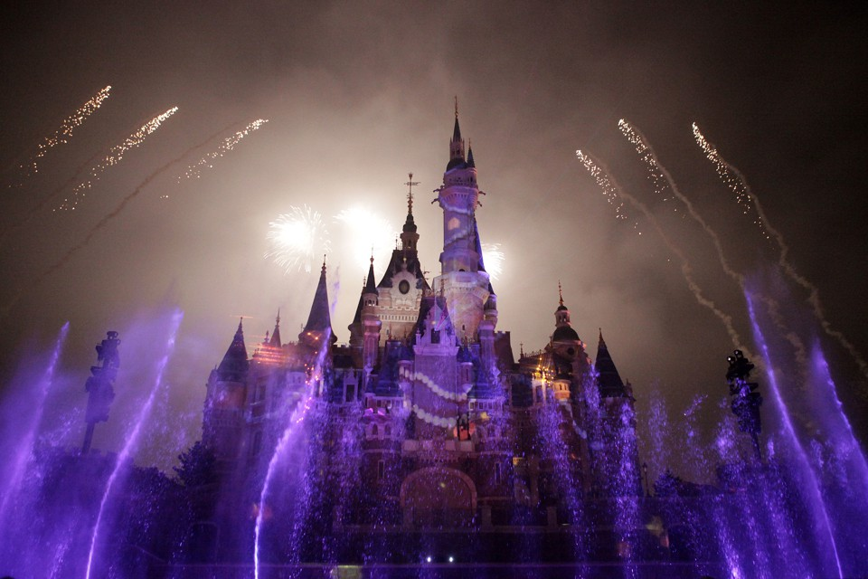 Fireworks over the main castle at Shanghai Disneyland Park
