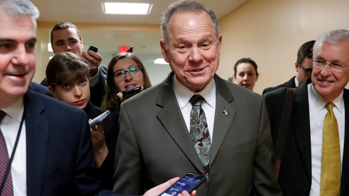 Roy moore sexual harassment