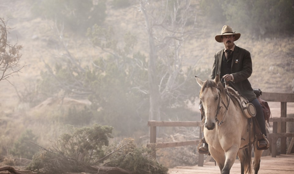 Sheriff Bill McNue (Scoot McNairy) in 'Godless'