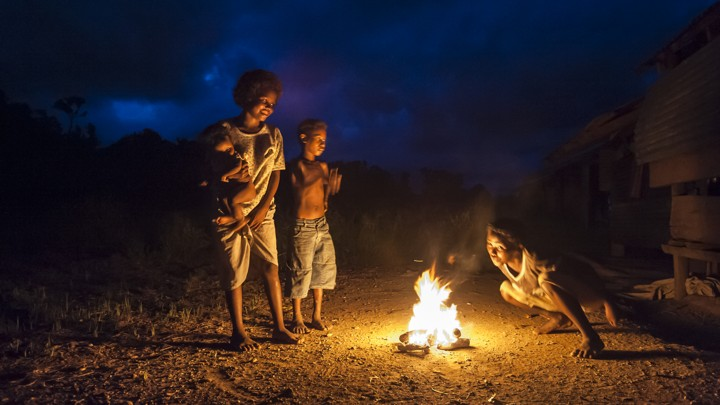 Agta preparing a fire