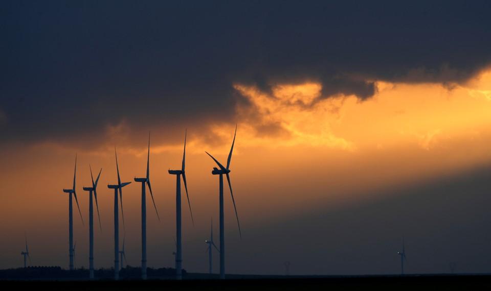 Wind turbines in a wind park