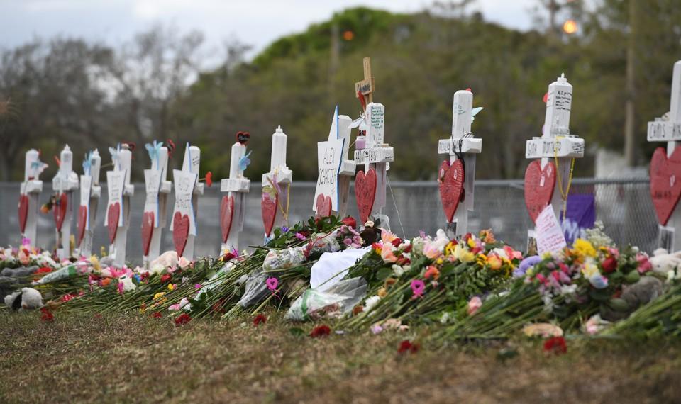 Memorials honoring the students killed at Marjory Stoneman Douglas High School in Parkland, Florida